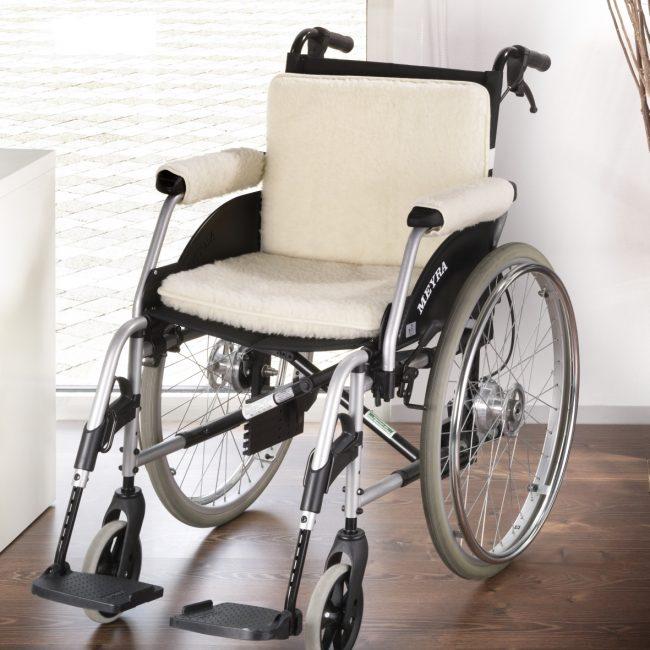 576 Schurwoll-Rollstuhl-Set tlg., natur