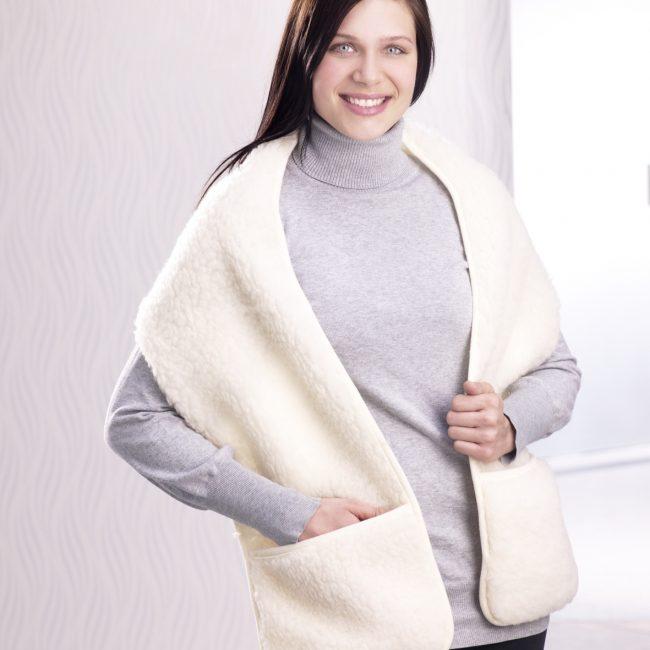 768 Schurwoll-Schal mit Taschen